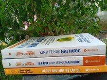 Combo 3 cuốn: Tư Duy Như Một Kẻ Lập Dị (Tái Bản), kinh tế học hài hước, siêu kinh tế học hài hước